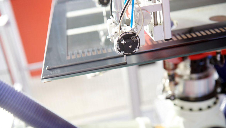 Von wegen Notlösung: Industrielle Verklebung bietet Mehrwert bei der Produktion
