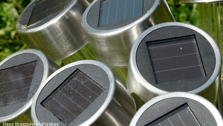 Solarleuchten und Solarpanele verkleben